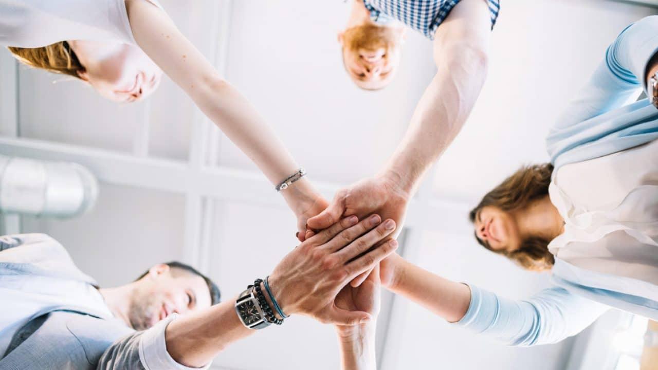 Uma equipe engajada tem o poder de manter o lucro de sua drogaria