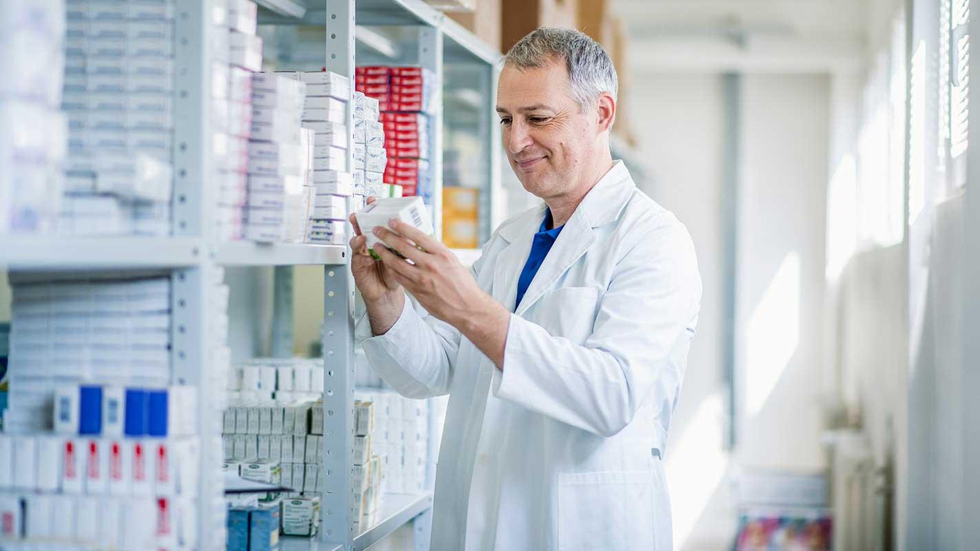 Farmácia com pouca variedade? Aprenda a gerenciar seu estoque!